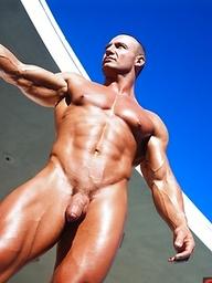Hot muscle hunk JD Amos