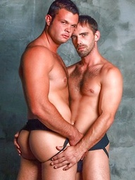 Two hot athletes Joe Parker and Brady Hanson fucking in a shower