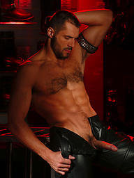Big muscle hunk in leather gear
