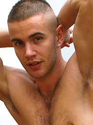 Favourite Str8 Young Hunk Scott - Delivers 5 cum shots in 30 minutes!