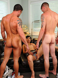 Muscle studs in a bi sex threesome