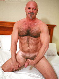 Old bear gets naked