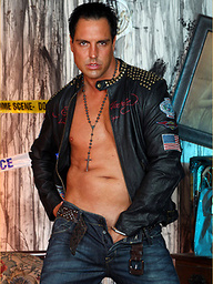 Marcello the hunk wearing tight leather and masturbating