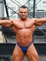 Johnny Bravo, muscle man