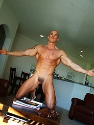 Muscle hunk Marko shows his boner