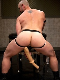 Craig Reynolds plays with a huge dildo