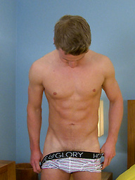 Muscular blonde hunk Harry sShows off his body