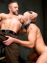 Muscle men Dirk Caber and Jessie Colter fuck