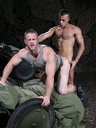 Muscled soldiers Sami Damo and Paul Wagner