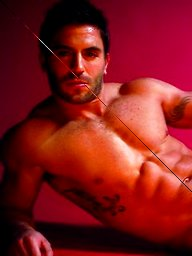 Hot muscle men from LE