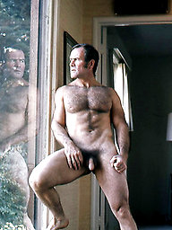 Hot muscle hunk naked