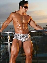 Latin bodybuilder Cody Miller shows cock