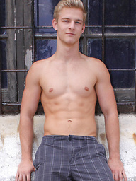 Hot blond stud Sheldon