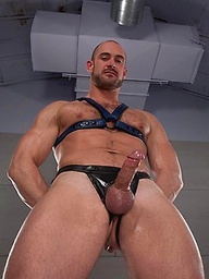 Hot muscled  Craig Reynolds shows his butt