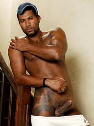 Ebony muscle boy Marcelo Martins