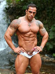 Muscle man Samuel Vieira