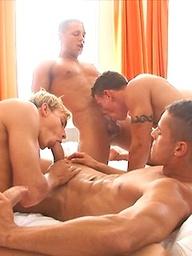 Hot jocks in a 4 way orgy
