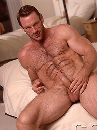 Hot muscle man Mike West naked