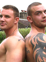 Straight mates Bailey and Andy in an uncut muscle showdown