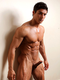 Junior bodybuilder and PowerMen newcummer Cesar Santiago invites you to share some of his most intimate moments.