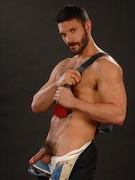 Brunette muscle man Bob Hager